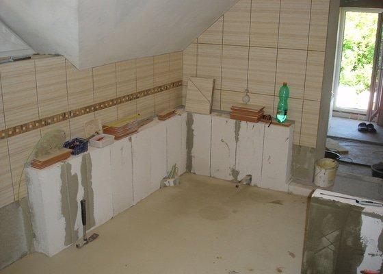 Obklady , dlažba , sanita
