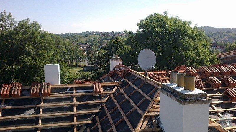 Zhotovení střechy: 2012-08-01-110