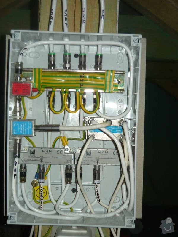 Instalace anténního systému s přepěťovými ochranami: 1prepetovy-rozvadec-otevreny