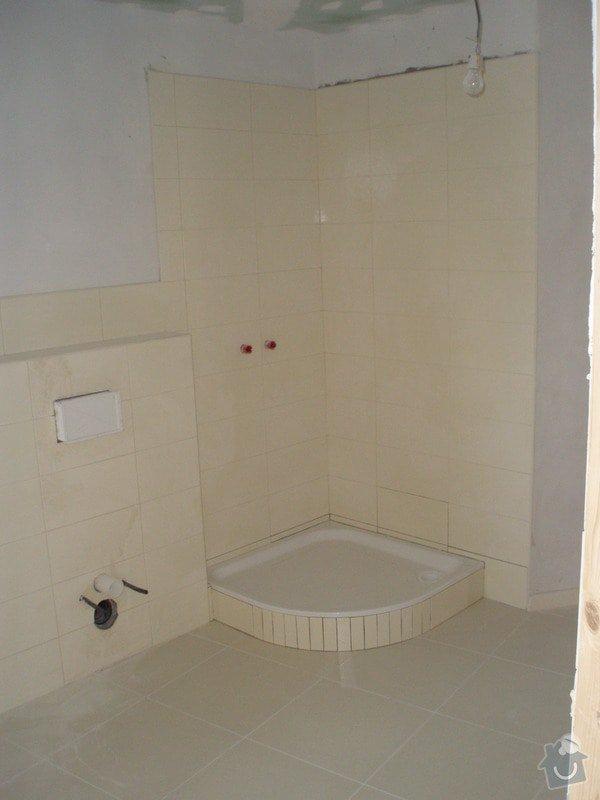 Obkládání a zkompletování koupelny a kuchyně.: P7240005
