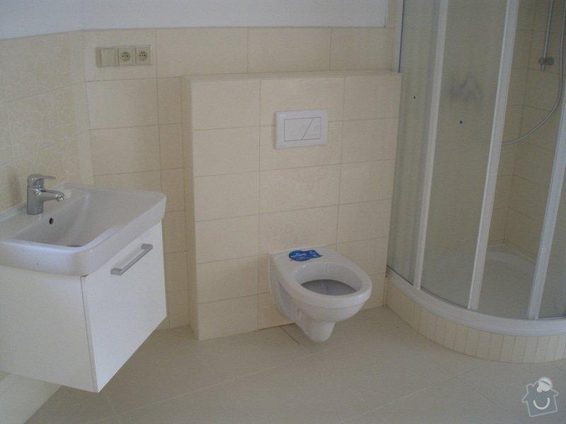 Obkládání a zkompletování koupelny a kuchyně.: P8220026
