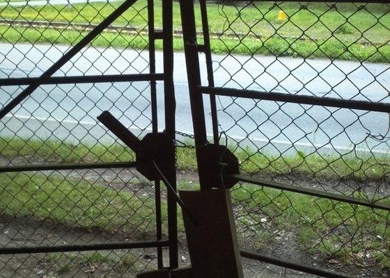 Montáž vjezdové brány na pozemek