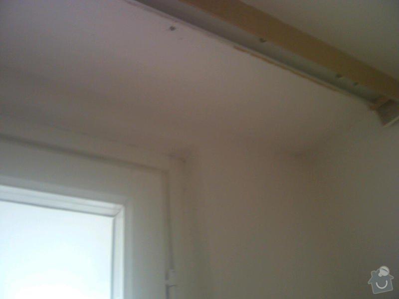 Instalace sdk podhledů z důvodu zakrytí nových rozvodů elektroinstalace: IMG-20120824-00087