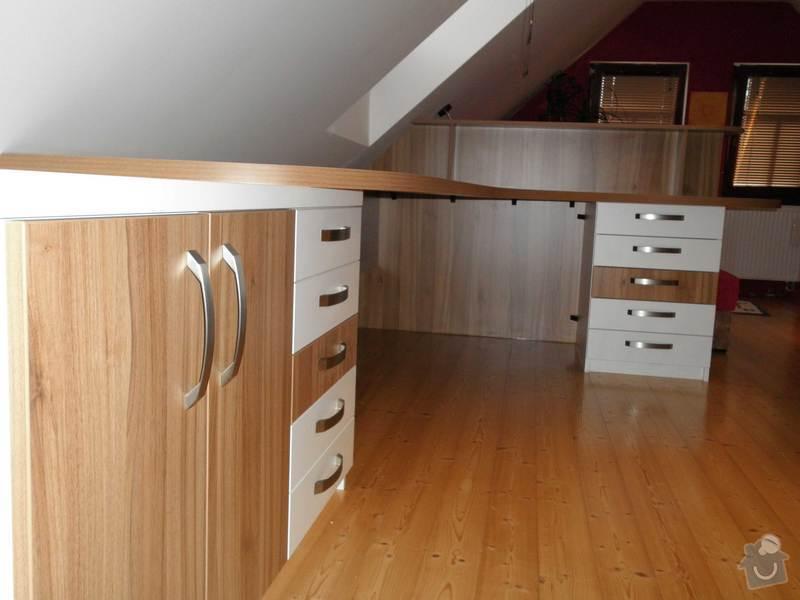 Dětský pokojíček - stůl a skříň: 4