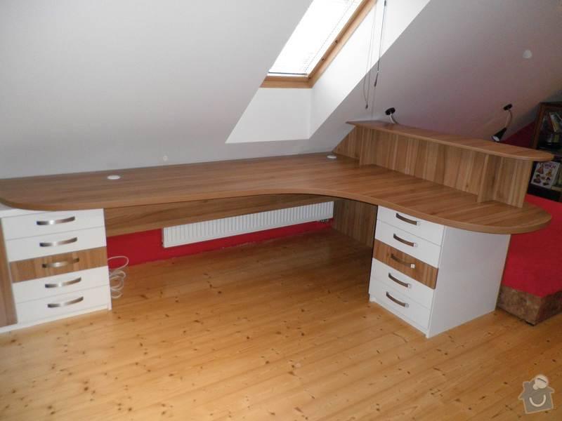 Dětský pokojíček - stůl a skříň: 5
