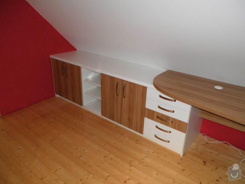 Dětský pokojíček - stůl a skříň: 6