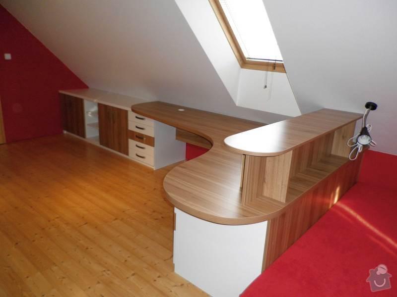 Dětský pokojíček - stůl a skříň: 7