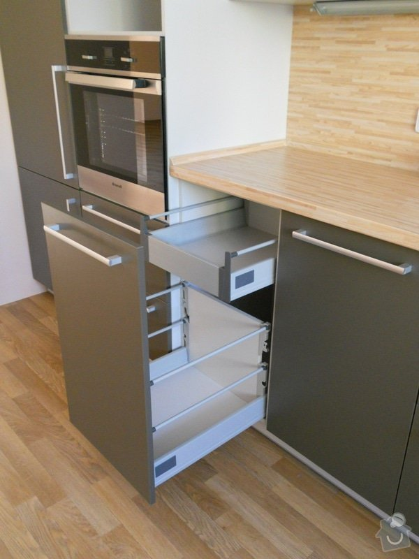 Výroba a montáž kuchyšké linky.: DSCN1295