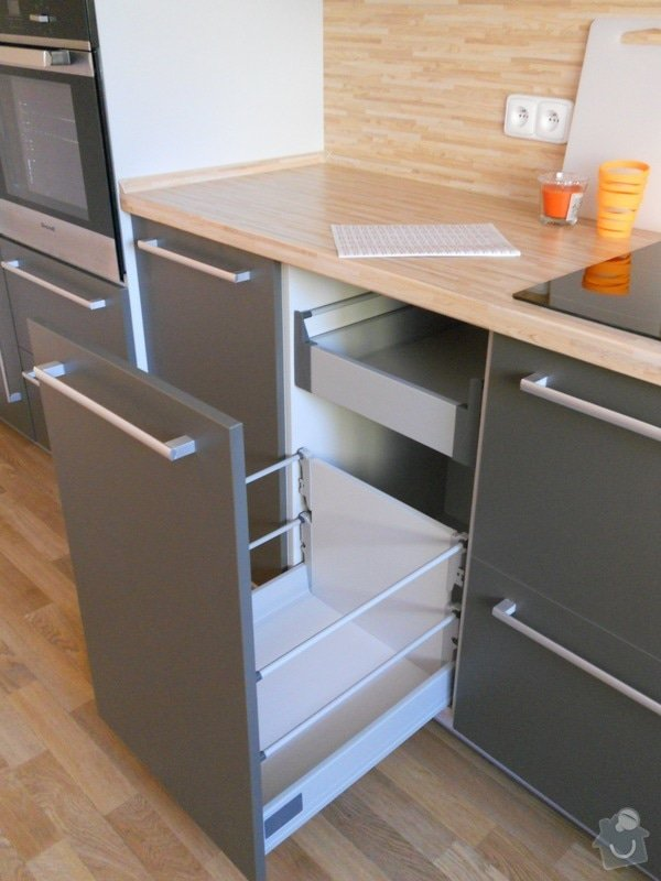 Výroba a montáž kuchyšké linky.: DSCN1296