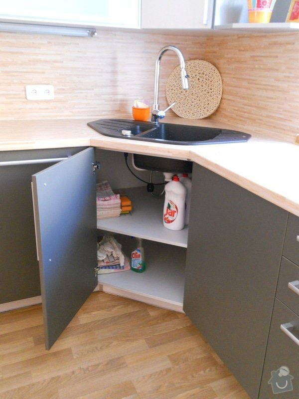 Výroba a montáž kuchyšké linky.: DSCN1305