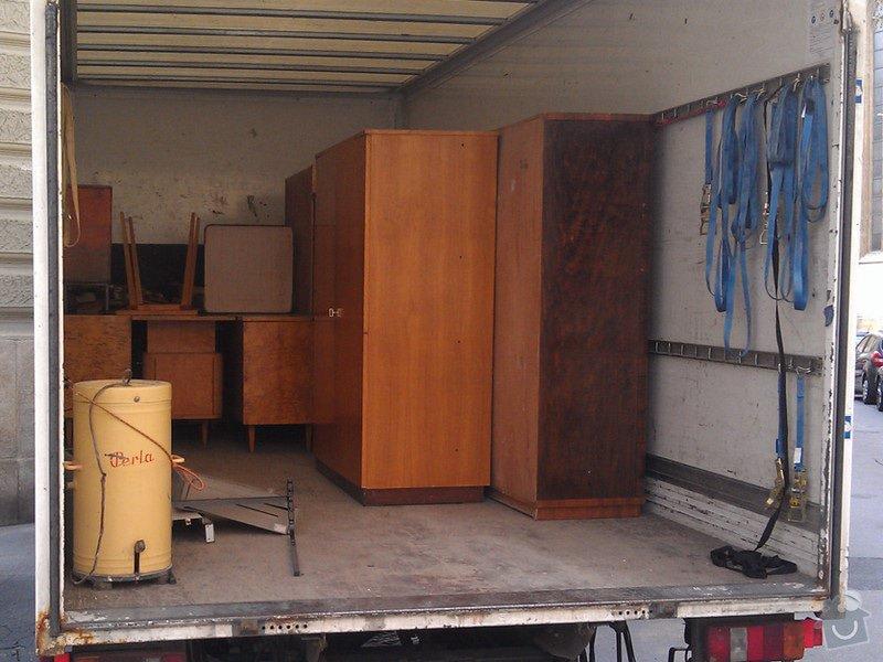 Vyklizení zbytku nábytku z bytu v centru Brna: nabytek