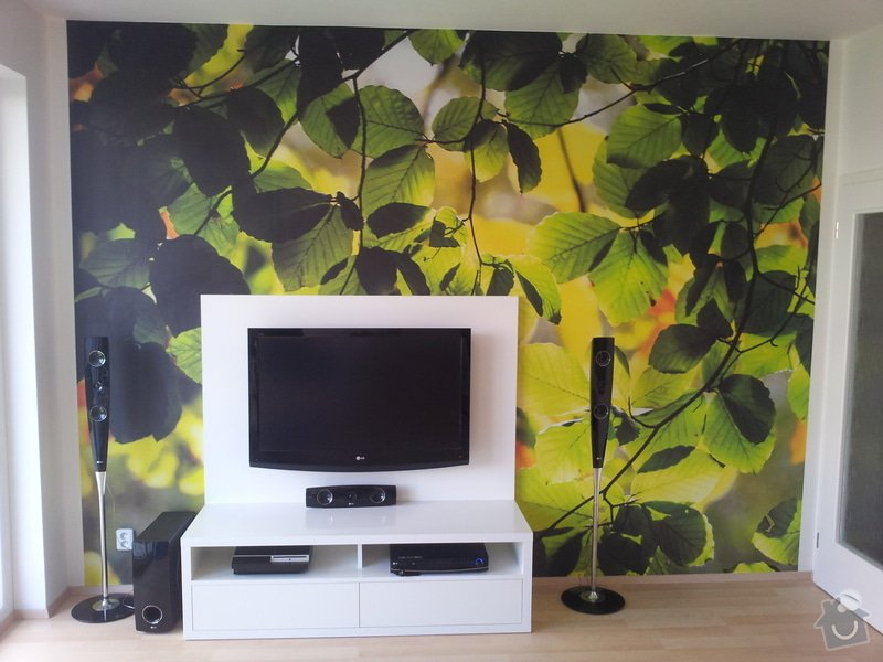 Víte kam chodí televize spát? TV PANEL/HIFI Stůl: 20120906_155102