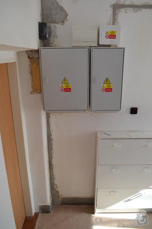 Nový přívod do RD, výměna elektroměrových rozvaděčů: DSC_0225
