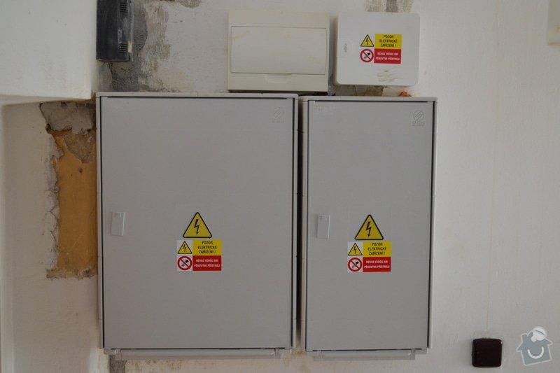 Nový přívod do RD, výměna elektroměrových rozvaděčů: DSC_0227