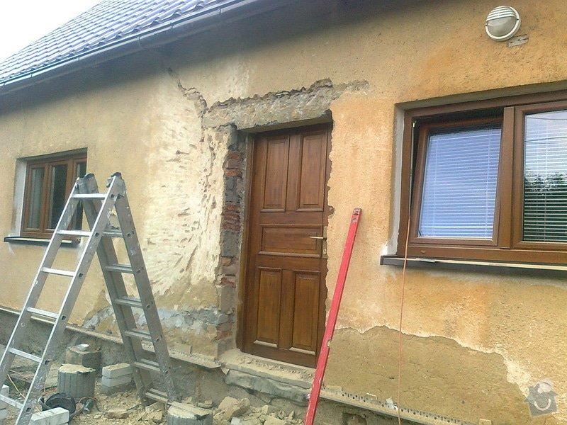 Zateplení, fasáda, obkopání domu, parapety, elektroinstalace: Fotografie0431