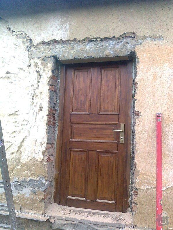 Zateplení, fasáda, obkopání domu, parapety, elektroinstalace: Fotografie0432