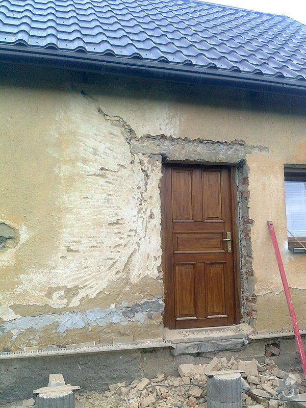 Zateplení, fasáda, obkopání domu, parapety, elektroinstalace: Fotografie0433
