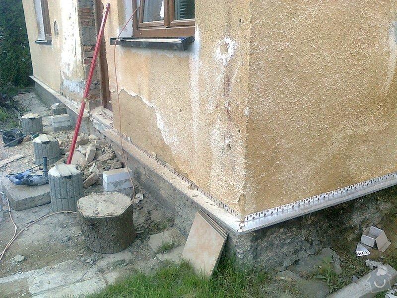 Zateplení, fasáda, obkopání domu, parapety, elektroinstalace: Fotografie0434