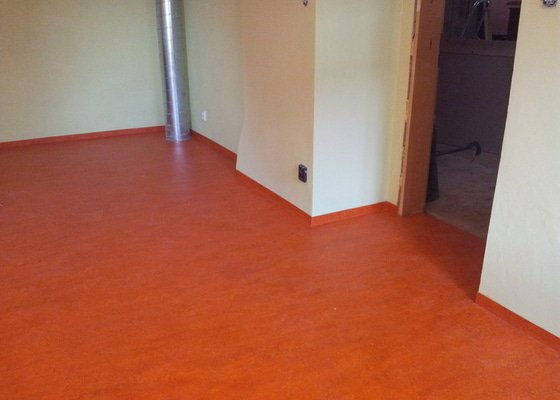 Marmoleum Home - Pokládka podlahy a obložení stěny