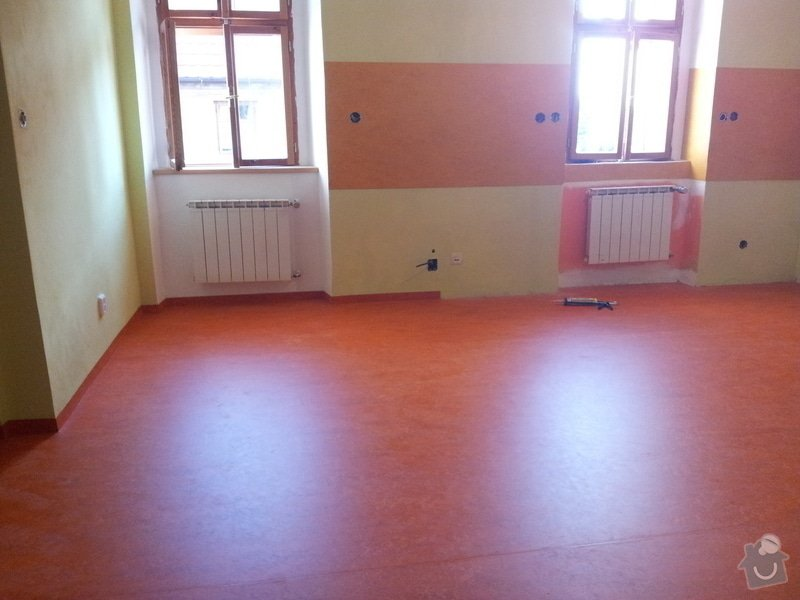 Marmoleum Home - Pokládka podlahy a obložení stěny: 20120911_180235