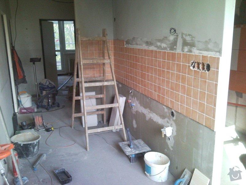 Rekonstrukce bytového jádra + vybourání panelu: 120827_085304
