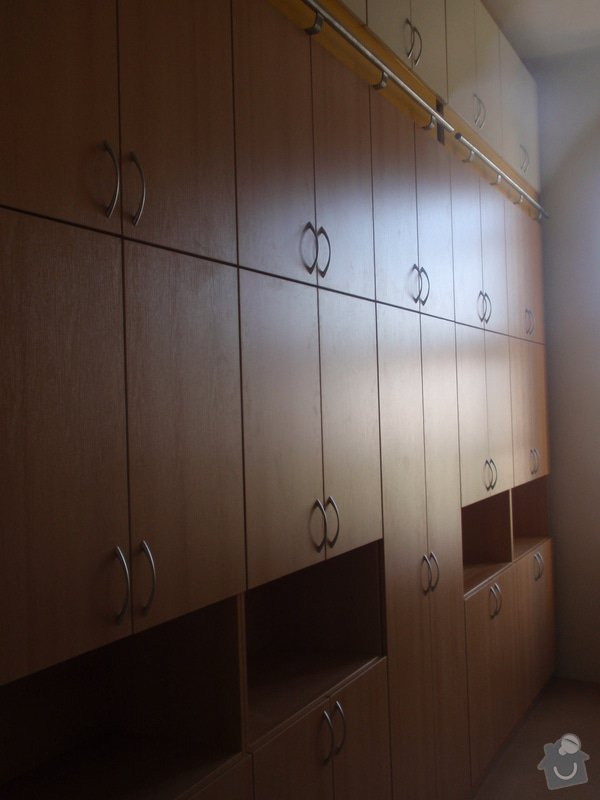Kancelářský nábytek: KarlovaUniverzita_251