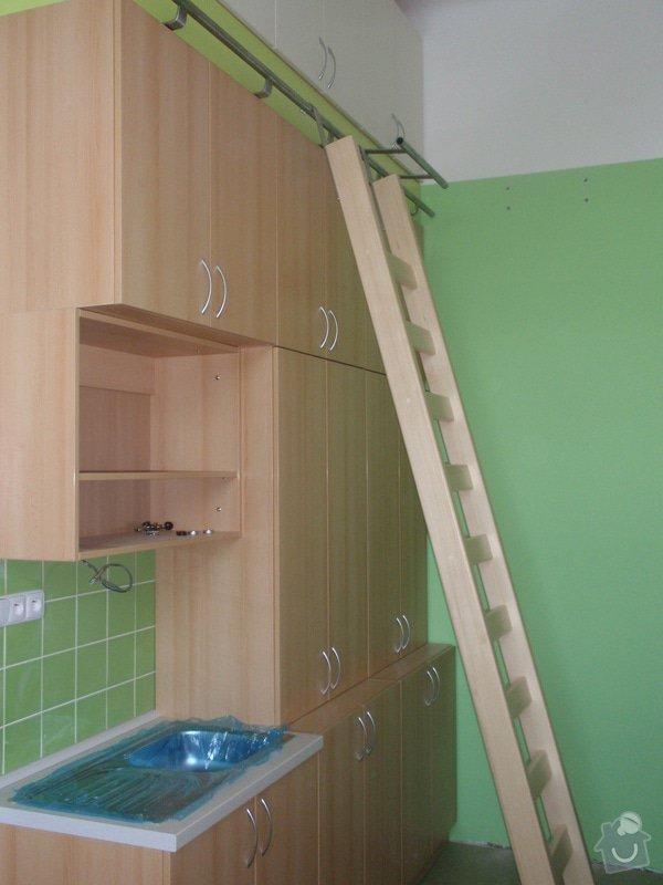 Kancelářský nábytek: KarlovaUniverzita_255