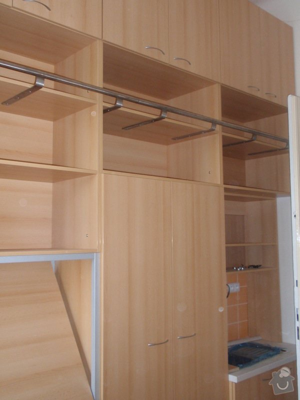 Kancelářský nábytek: KarlovaUniverzita_260