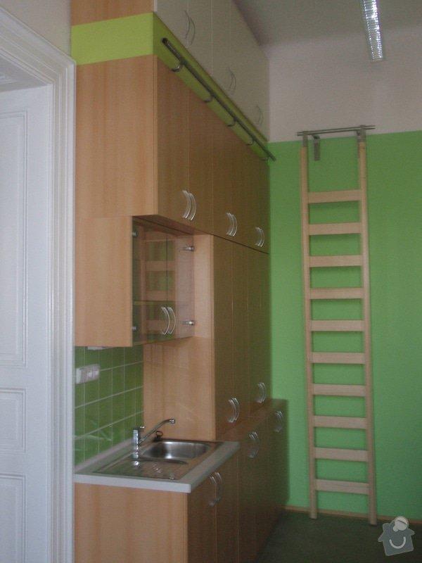 Kancelářský nábytek: KarlovaUniverzita_268