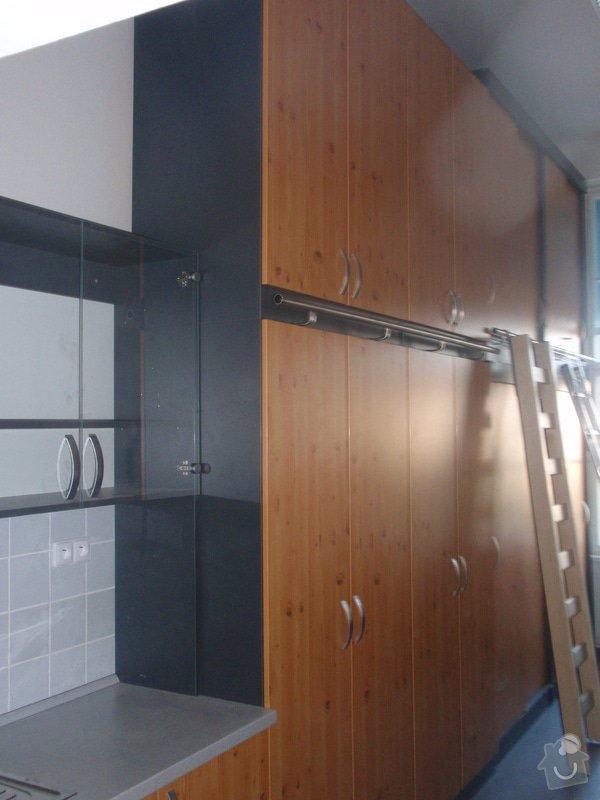 Kancelářský nábytek: KarlovaUniverzita_275