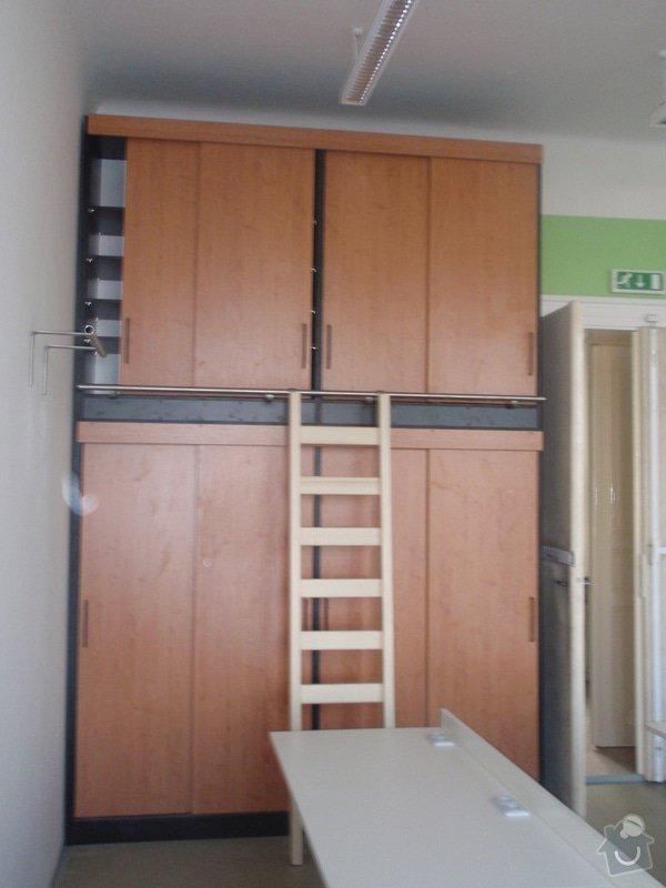 Kancelářský nábytek: KarlovaUniverzita_278