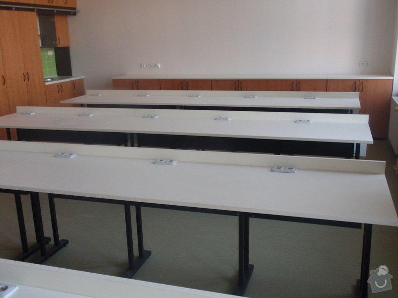 Kancelářský nábytek: KarlovaUniverzita_280