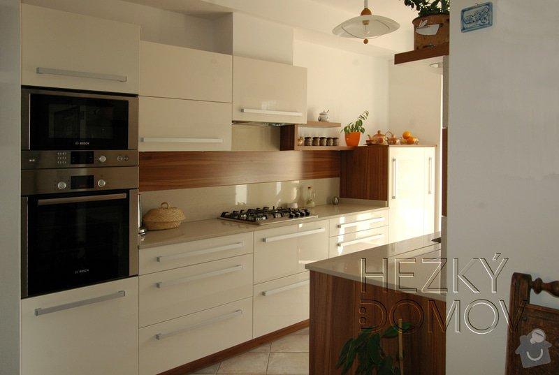 Realizace - nová kuchyň: Kuchym-orech-creme_logo