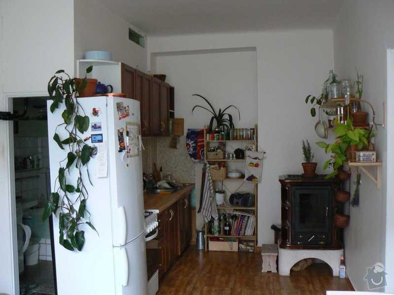 Rekonstrukce kuchyně a koupelny/WC včetně sjednocení podlah: 1.pohled_od_okna_do_kuchyne