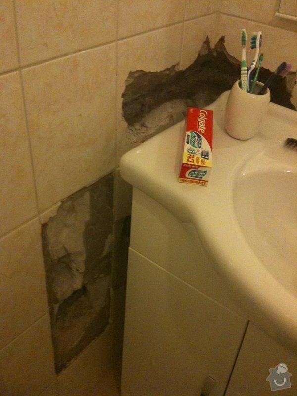 Zazdění díry ve zdi, oprava obkladů v koupelně: koupelna
