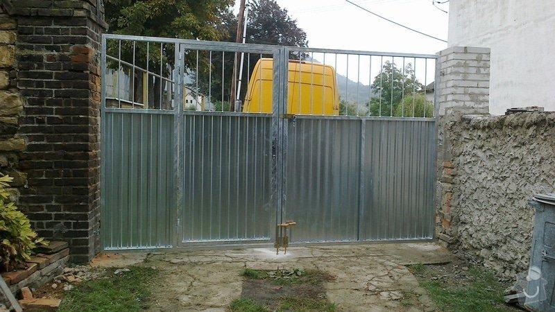 Dvoukřídlé vrata: 2012-09-22-105