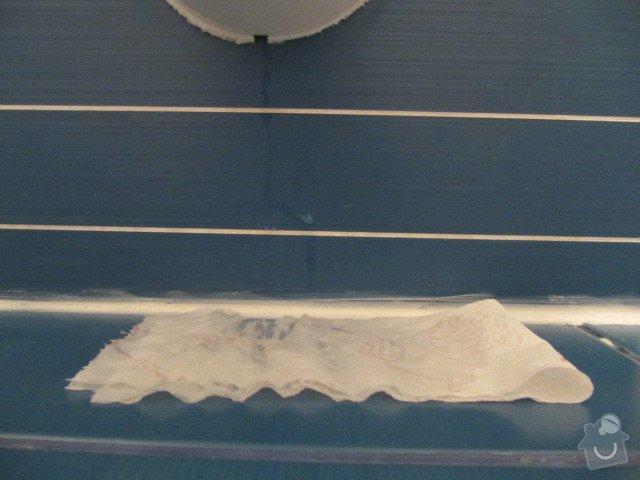Poptávám instalatérské/zednické práce Praha - oprava koupelny po rekonstrukci, panelový byt: Foto_k_20_03_2012_309