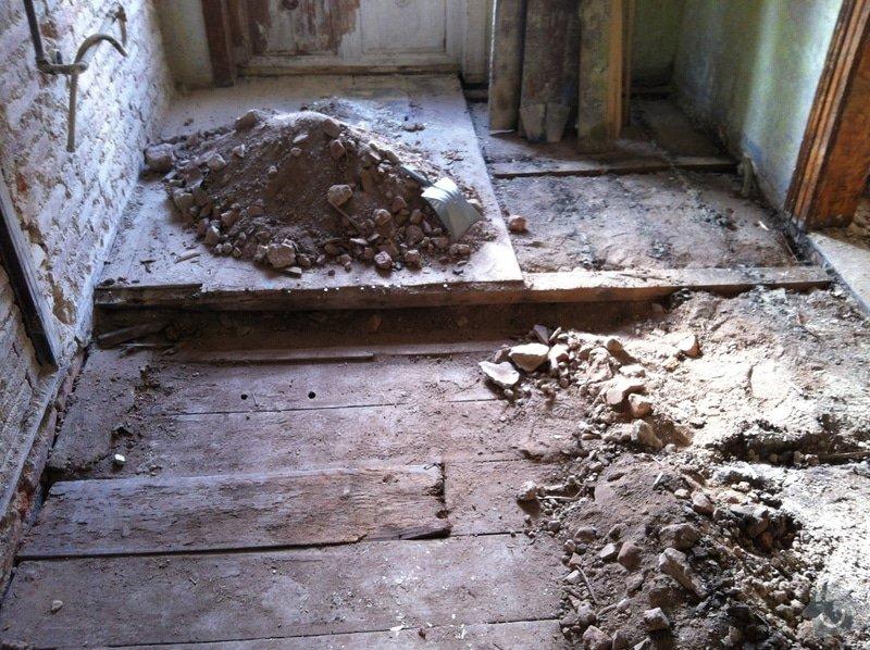 Pomocné práce při bytové rekonstrukci.: Prubeh_-_odstranovani_nasypu_a_polstaru