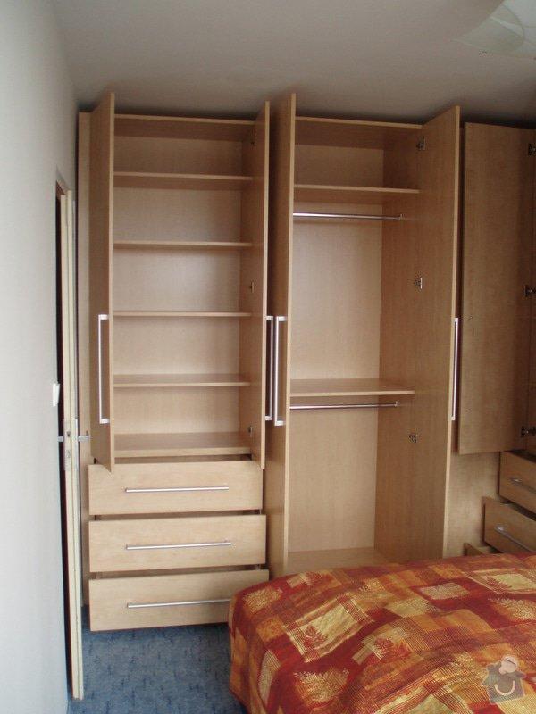 Atypické vestavěné skříně do ložnice: P3280030