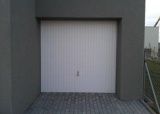 Garážová vrata - elektrický pohon a zateplení