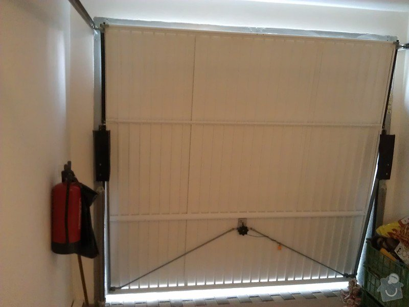 Garážová vrata - elektrický pohon a zateplení: IMAG0625
