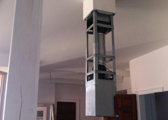 Atypická instalace digestoře + úprava SDK