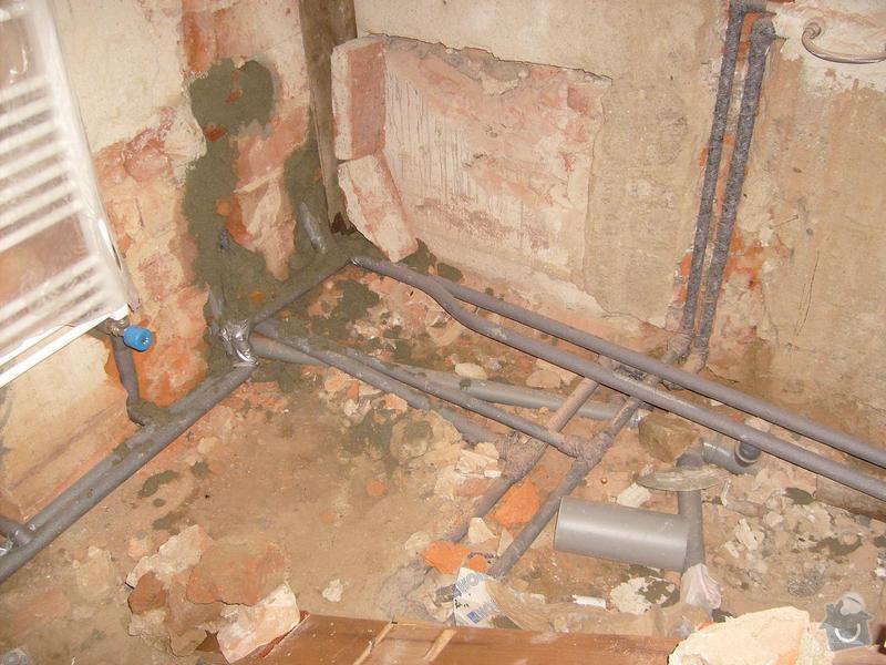 Rekonstrukce topení v rodinném domku: koupelna_-_topeni_-_pripojeni