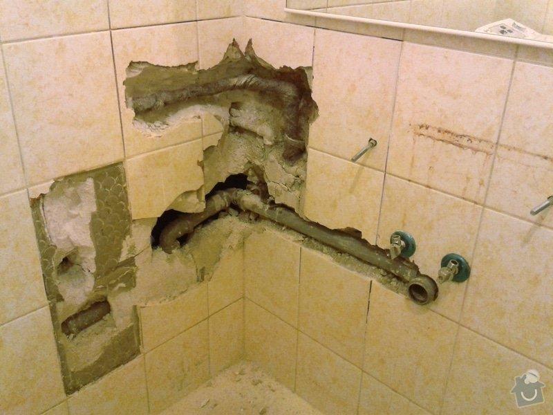 Zazdění díry ve zdi, oprava obkladů v koupelně: 1
