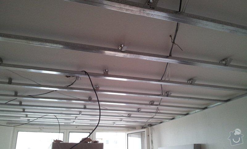 Instalace sdk podhledů z důvodu zakrytí nových rozvodů elektroinstalace: 20121001_142352
