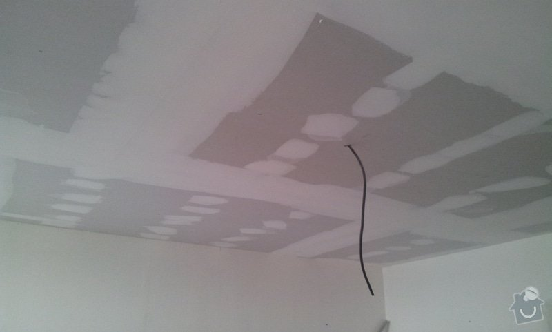 Instalace sdk podhledů z důvodu zakrytí nových rozvodů elektroinstalace: 20121004_101907
