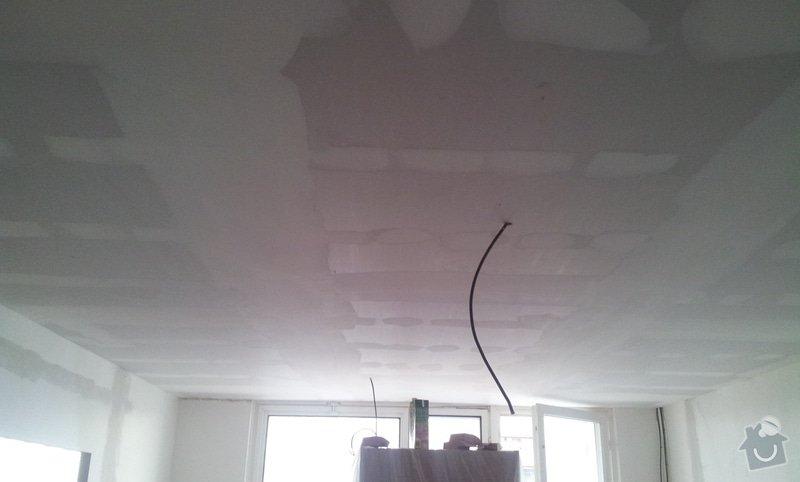 Instalace sdk podhledů z důvodu zakrytí nových rozvodů elektroinstalace: 20121004_101939