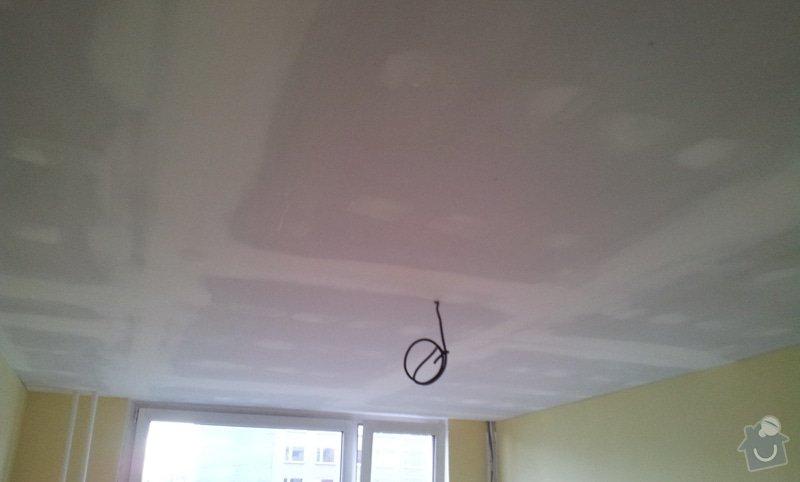 Instalace sdk podhledů z důvodu zakrytí nových rozvodů elektroinstalace: 20121005_172034