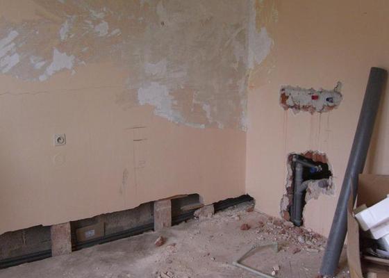 Dokončení rekonstrukce RD - elektro, zednické a obkladačské práce