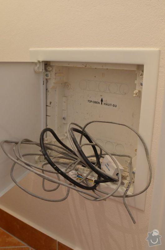Přeložení a montáž elektrické zásuvky: zasuvka-skrin